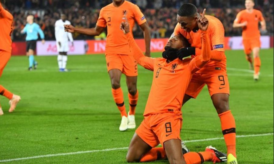 Καθάρισε και τη Γαλλία η σούπερ Ολλανδία - Υποβιβάζεται η Γερμανία (video)