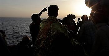Ιταλία: Ένας μετανάστης ανασύρθηκε νεκρός, άλλοι εννέα αγνοούνται