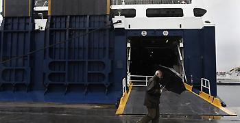 Απαγορευτικό απόπλου προς Ζάκυνθο και Κεφαλονιά λόγω των ισχυρών ανέμων