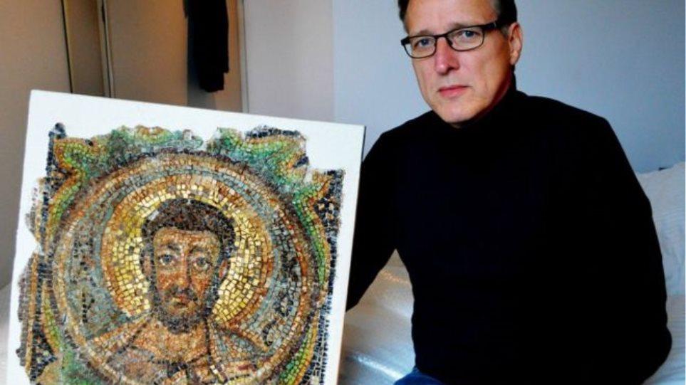 Ξαναχτύπησε ο «Ιντιάνα Τζόουνς της Τέχνης»: Βρήκε ψηφιδωτό 1.600 ετών που είχε κλαπεί από την Κύπρο