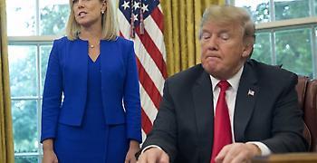 Προσωρινό δικαστικό μπλόκο στο ξενοφοβικό μέτρο του Τραμπ για το άσυλο