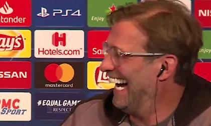 Έσκασε στα γέλια ο Κλοπ με την… ερωτική φωνή του μεταφραστή (video)