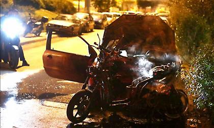 Επεισόδια έξω από το ΣΕΦ - Κάηκαν αυτοκίνητο και μηχανάκι (pics)