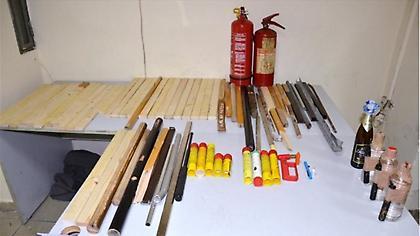 Συνελήφθησαν οπαδοί της Μπούντουτσνοστ με ξύλα, μάρμαρα, κροτίδες και φωτοβολίδες!