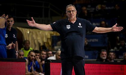 Σκουρτόπουλος: «Ευχαριστώ τα παιδιά γιατί έχουν δώσει τα πάντα σε αυτά τα δέκα ματς»