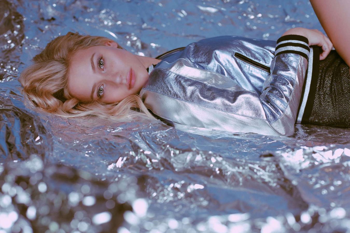 H πρωταγωνίστρια του Riverdale στην καλύτερη φωτογράφιση της