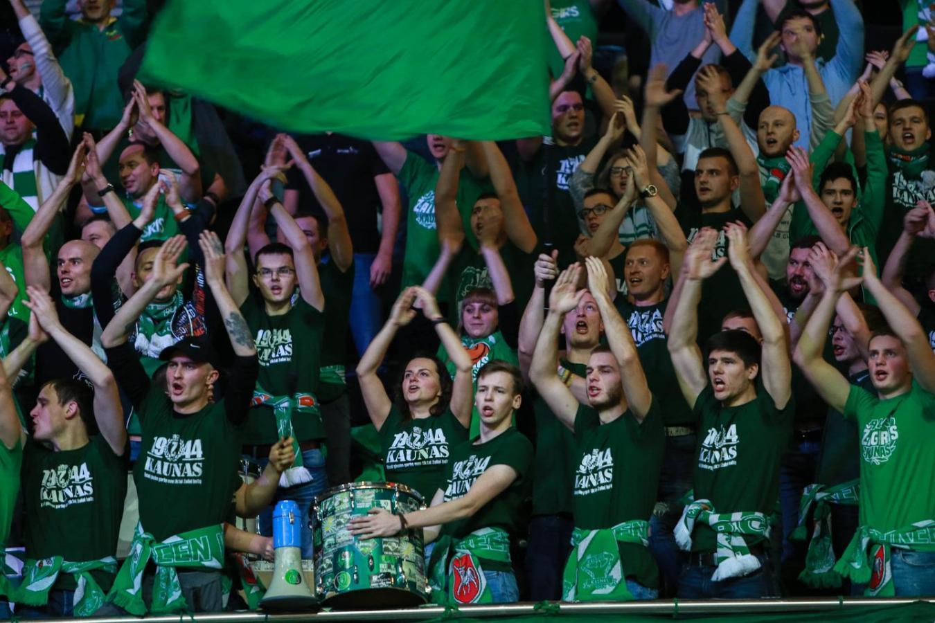 Η απίστευτη ατμόσφαιρα των οπαδών της Ζαλγκίρις (video)