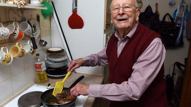 Τι τρώει ο πιο υγιής... αιωνόβιος του Ηνωμένου Βασιλείου!