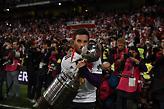 Ο Σκόκο αγκαλιά με το τρόπαιο του Κόπα Λιμπερταδόρες (pics)