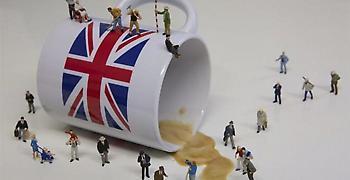 Οι κρισιμότερες 48 ώρες για τη Βρετανία - Μάχη επιβίωσης για τη Μέι