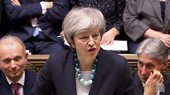 Η Μέι ανακοίνωσε την αναβολή της ψηφοφορίας για το Brexit - «Άγριο»... κράξιμο στη Βουλή