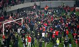 Η είσοδος των οπαδών του Ολυμπιακού στο γήπεδο και οι έξαλλοι πανηγυρισμοί (video)