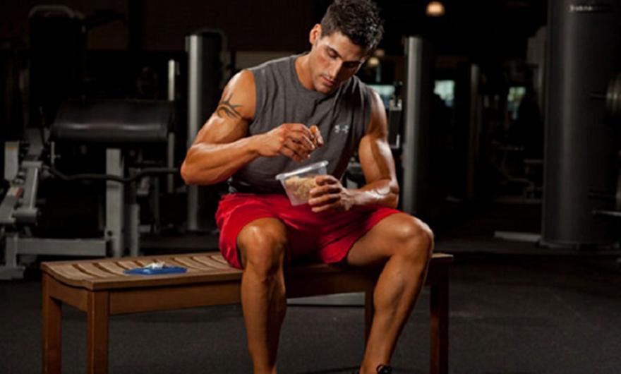 Τι πρέπει να τρώτε μετά τη γυμναστική σας και γιατί