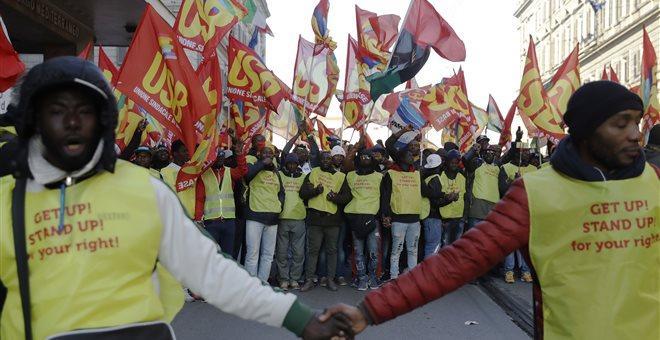 Χιλιάδες διαδηλωτές στη Ρώμη υπέρ των δικαιωμάτων των μεταναστών