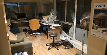 Δείτε φωτογραφίες και βίντεο από την έκρηξη στο κτήριο του ΣΚΑΪ