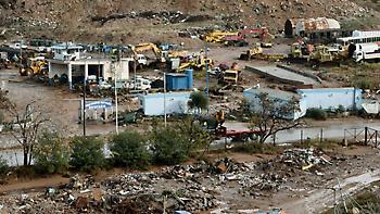 Μάνδρα: Θρίλερ με σκελετό που «ξέβρασε» το ποτάμι, ένα χρόνο μετά τις φονικές πλημμύρες (video)