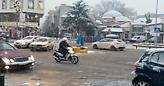 Αυτός είναι ο ντελιβεράς που έχει γίνει θέμα στην Κοζάνη – Οι απίστευτες κινήσεις του στα χιόνια