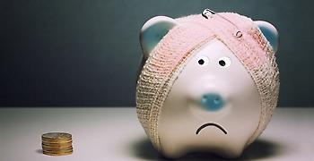 Σε «οικογενειακό μνημόνιο» οι Έλληνες – Ψαλίδι στις δαπάνες για 7 στους 10