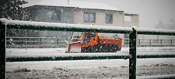Κακοκαιρία Σοφία: Σε κλοιό χιονιά η Εύβοια, κλειστοί δρόμοι, 15 χωριά χωρίς ρεύμα