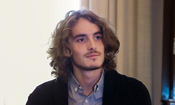 Τσιτσιπάς στην Telegraph: «Ίσως είμαι συγγενής του Σωκράτη»