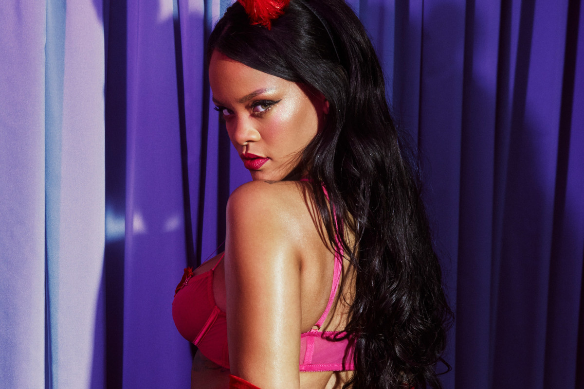 Η Rihanna λανσάρει σέξι εσώρουχα για του Αγίου Βαλεντίνου (pics)