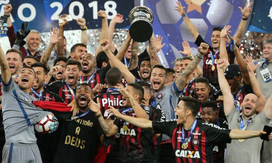 Έκανε τατού την… κατάκτηση του Copa Sudamericana! (pic)