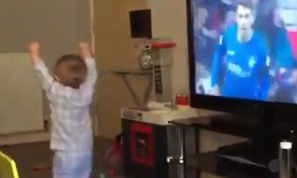 Μπόμπιρας πανηγυρίζει γκολ της Ρέιντζερς και γίνεται viral (video)
