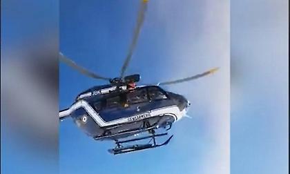 Viral: Ελικόπτερο κάνει την προσγείωση του αιώνα εν μέσω χιονοθύελλας
