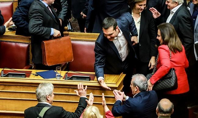 Τσίπρας: Η κυβέρνηση θα ολοκληρώσει τη συνταγματικά κατοχυρωμένη θητεία της