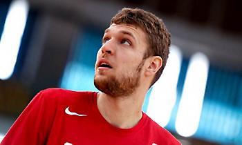 Βεζένκοφ στο Eurohoops: «Και ο Τόμπσον είχε 12% και πήγε και έβαλε 8 τρίποντα!»