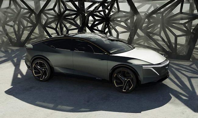 To πρωτότυπο σπορ σεντάν Nissan IMs