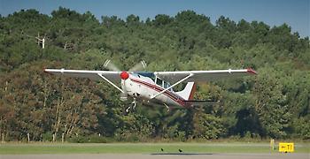 Εντοπίστηκε ο πιλότος και το αεροσκάφος που κατέπεσε στον Πατραϊκό Κόλπο