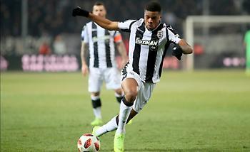 Ακπόμ: «Είμαστε διαφορετικοί παίκτες με τον Πρίγιοβιτς, προσπαθώ να βοηθήσω αλλιώς την ομάδα»