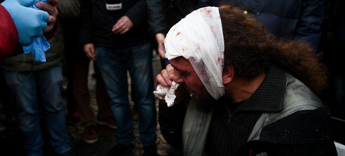 Καταγγελία Ένωσης Φωτορεπόρτερ: Προσχεδιασμένη επίθεση-Οι κουκουλοφόροι είχαν φωτογραφίες συναδέλφων