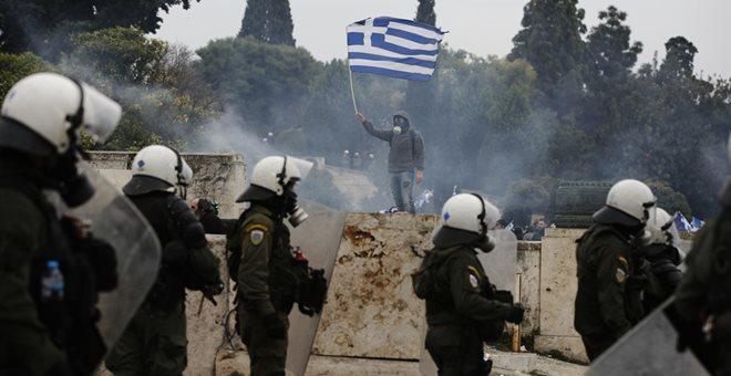 Επτά συλλήψεις για τα επεισόδια στο συλλαλητήριο - Δεκάδες τραυματίες