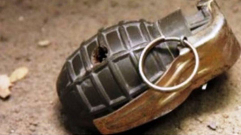 Ενεργή χειροβομβίδα του Β' Παγκοσμίου στη Λιμανάκια Βάρκιζα