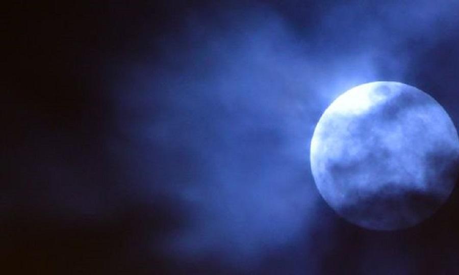 Το φεγγάρι της Κυριακής μαγεύει: Πανσέληνος, υπερπανσέληνος και ολική έκλειψη σελήνης (pics)