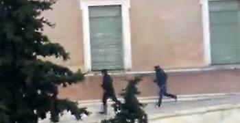 Γεροβασίλη: Άντρες της αστυνομίας οι κουκουλοφόροι στη Βουλή