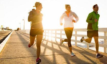 Γιατί το πρωινό τρέξιμο σας βοηθάει να «παλέψετε» την ημέρα