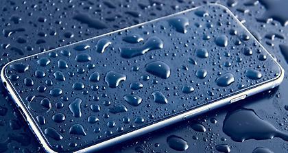 Βράχηκε το κινητό σας; Δείτε τι πρέπει να κάνετε για να ξαναλειτουργήσει