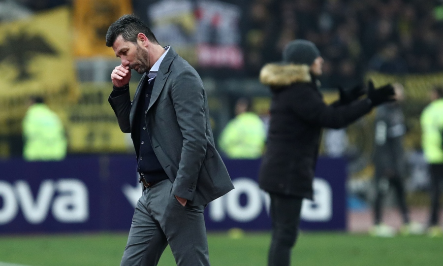 Τι διαφορετικό θα γινόταν αν η ΑΕΚ έπαιζε χωρίς προπονητή…