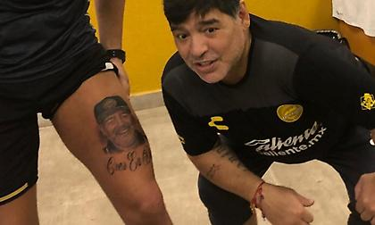 Παίκτης του Μαραντόνα έκανε τατουάζ… τον ίδιο (pics)