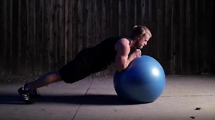 Oι 5 καλύτερες ασκήσεις κοιλιακών που δεν κάνετε ποτέ! (vid)