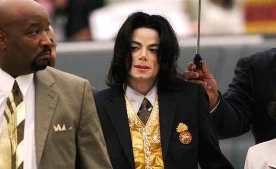 Σοκαριστικές αποκαλύψεις: «Αδίστακτος παιδόφιλος» o Μάικλ Τζάκσον (video)
