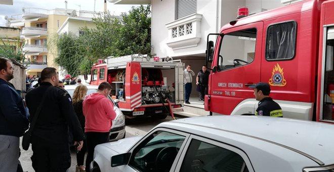 Πυρκαγιά σε πολυκατοικία στις Σέρρες. Εννέα άτομα στο νοσοκομείο