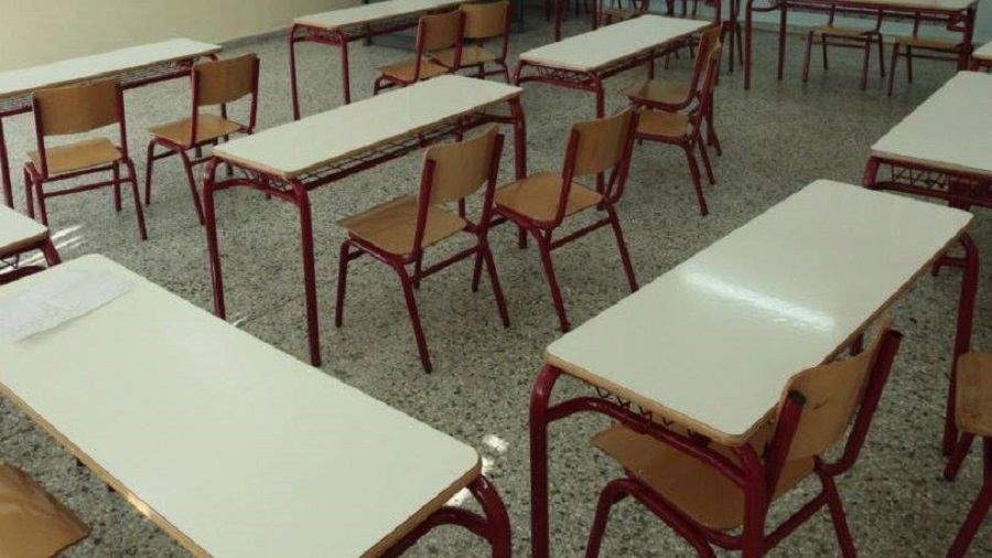 Μαθήτρια στην Πάτρα είπε σε καθηγητή «μην μας σκοτίζεις τα αρ...» και έπεσε ξύλο (vid)
