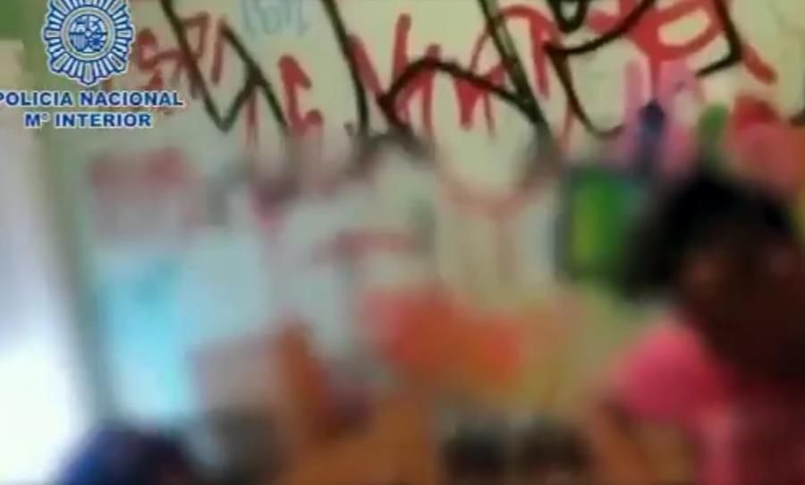 Συνελήφθη ομάδα γκραφιτάδων που ακινητοποιούσε τρένα για να ζωγραφίσει(vid)