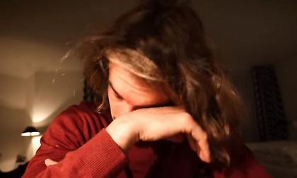 Ο Τσιτσιπάς θυμήθηκε πως σώθηκε από πνιγμό και λύγισε (video)