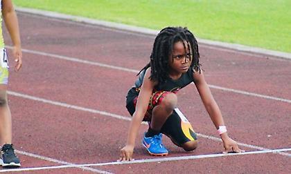 Αυτός είναι ο 7χρονος «σφαίρα» που κοντράρει τον Μπολτ