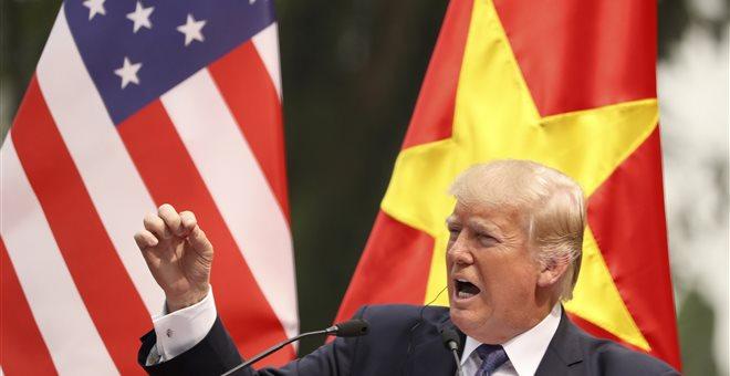 Παράταση 60 ημερών στην εμπορική ανακωχή με την Κίνα «εξετάζει ο Τραμπ»